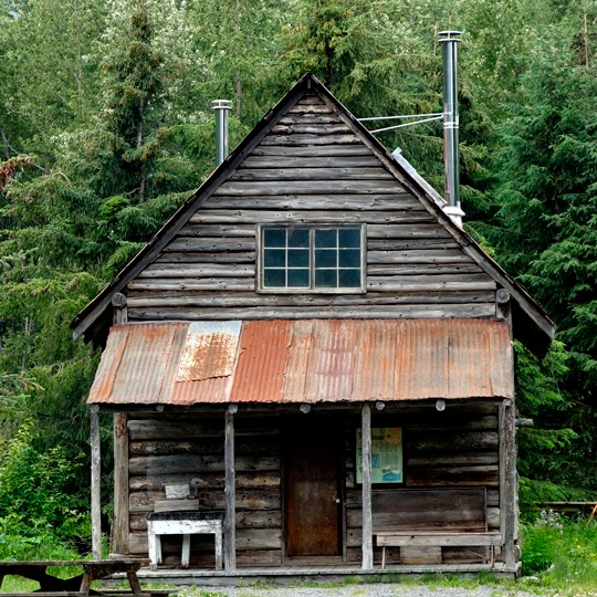 Hope picturesque alaskan history off the beaten track for Old house tracks